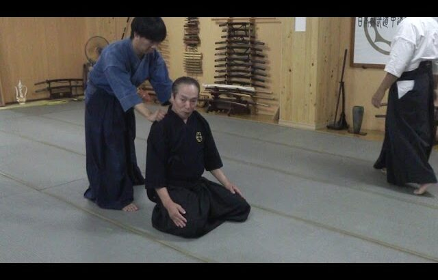 古武道 大東流合気柔術武門 掴まれた部分を各関節部分を円運動と呼吸を連動させることで相手の防衛反射を起こすことで技になります。