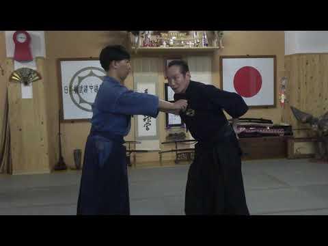 古武道 大東流合気柔術武門会 手の技も足の技も基本は同じ。